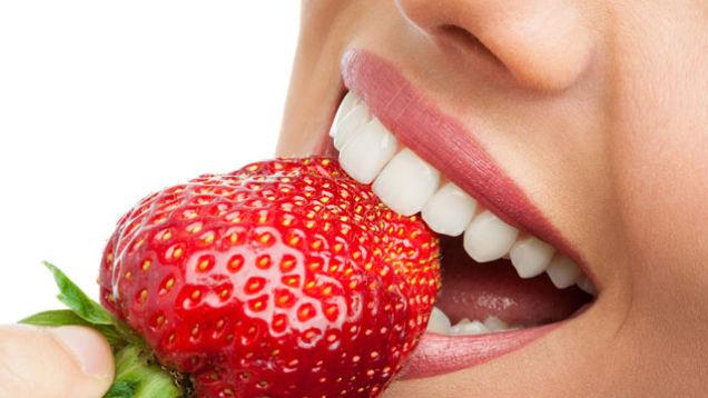 عوامل زرد شدن دندان + ۶ راهکار خانگی سفید کردن دندان