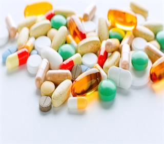 خطر تداخل مکمل ها با داروها را در سالمندان جدی بگیرید
