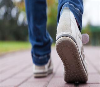 چگونه موقع پیاده روی استخوان هایمان را تقویت کنیم؟