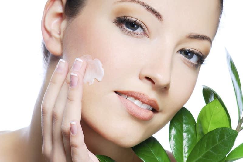 چگونه در فصل تابستان پوستی درخشان داشته باشید؟