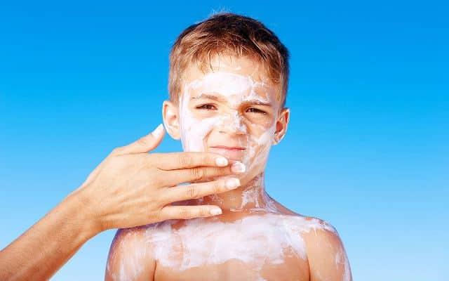 باورهای غلط درباره ضد آفتاب برای کودکان