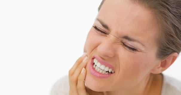 خوراکی هایی که حساسیت دندان را تشدید می کنند